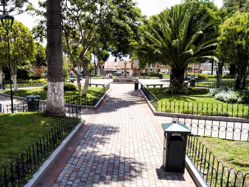 Parque Central de Nayón - Nayón